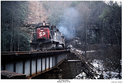 SP SD40 8462 (Robert W. Thomson) Tags: railroad train diesel tennessee railway trains sp locomotive trainengine morley southernpacific emd sd40 sixaxle