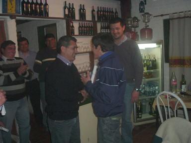 Facundo Muñoz recibe su presente y diploma