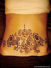 Tummy henna!