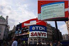 Piccadilly Circus - Microsoft affect Coca-Cola ads - by Rosso (afka siamonesti)