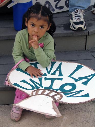 """La Marcha II: """"Viva la union"""""""
