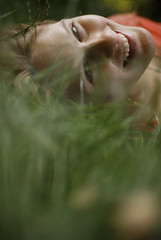 lioness in the grass (Diana Pappas) Tags: woman friend leo nj ha alison mybackyard hoboken lazysunday layinginthegrass brunchedout sangriadout afewsundaysago enjoyingthephotoshootidpromisedherformonths