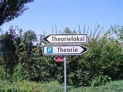 Theorie? - by mightymightymatze