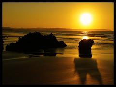 """Playa de Vega (Asturias) 2/2 (""""PABLO"""" ) Tags: sunset sea españa beach contraluz atardecer mar spain bravo holidays pablo asturias playa olympus puestadesol vacaciones e500 playadevega"""
