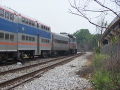 MARC train north of Rhode Island Avenue Station
