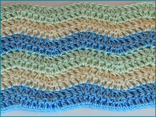 Rose Ripple: Crochet Baby Blanket in the Round - Yahoo! Voices