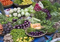 Colourful assortment of vegies @ Colaba market, Mumbai - by Dey