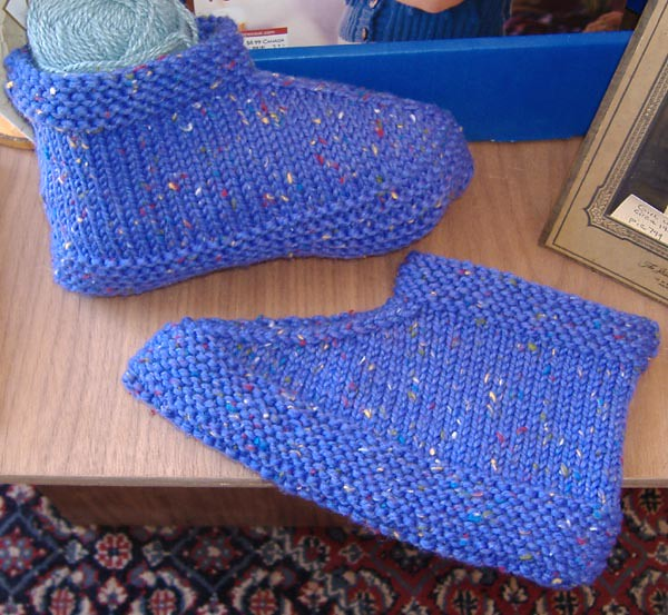 Ravelry Two Needle Slippers Pattern By Dagny Lilley