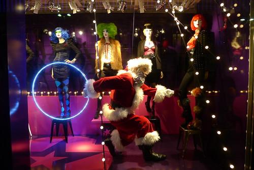Vitrines de Noël du BHV - Paris, novembre 2010