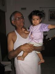 With Thatha.jpg (S Jagadish) Tags: bangalore amma satish appa thatha paati 200503 200504 jaagruthi royalpalms janu jagadish krithi santhanam chitappa