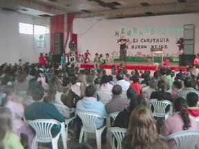 Festejo Día del Niño en el salón del Club Estudiantes