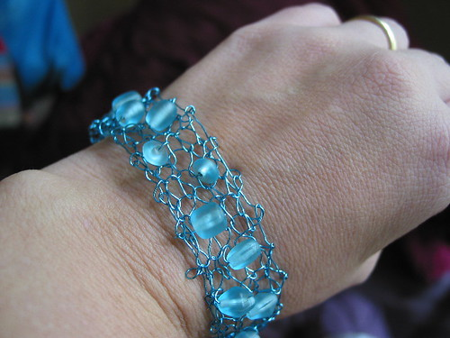 knitted wire braclet