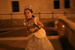 Princesa corriendo (paohaus) Tags: birthday princess oldsanjuan birthdayparty cumpleaos kidsparty issis