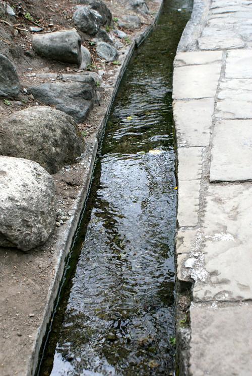 台東水往上流