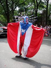 Toco, toco, toco...vejigante come coco (wburgos) Tags: puertorico vejigante puertoricandayparade