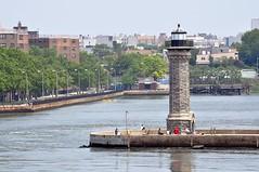 Roosevelt Island Lighthouse (esywlkr) Tags: nyc lighthouse ny newyork eastriver rooseveltisland