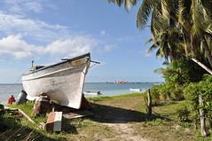 La Digue boat (pentlandpirate) Tags: sea beach palms island coast boat fishing paradise indianocean tropical tropic seychelles ladigue seychellen seychelle gramite ansesevere