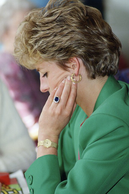 engagement ring lady di Diana
