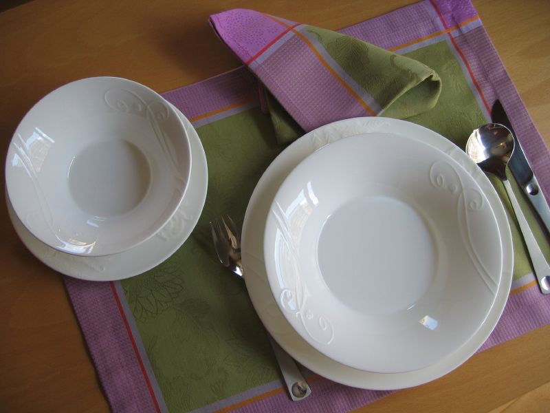 Picture of the new dinner service