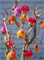 Cupcake tree (Essie's handcraft cuteness) Tags: pink red orange tree yellow garden keychain soft sweet felt cupcake cutes