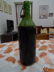 Homemade Wine (Johnsen's Travels) Tags: bardino