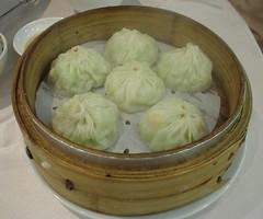[吃] 圍爐酸菜白肉火鍋 (10)_絲瓜湯包
