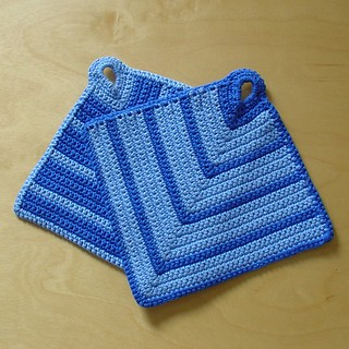 Knit Potholder Patterns : Ravelry: Potholder / Topflappen pattern by Eva W.