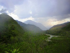 Valley in Chanchamayo, Peru (Stuart Starrs) Tags: cloud mountains peru southamerica forest river amazon rainforest sanramon hills jungle andes junn junin chanchamayo sanramn selvaalta worldwidelandscapes peruvianimages