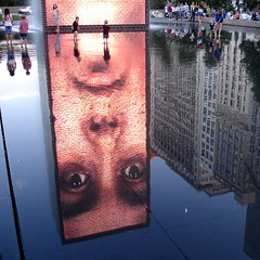 (Polish Sausage Queen) Tags: chicago fountain july millenniumpark 2007 refflection visitingjenn