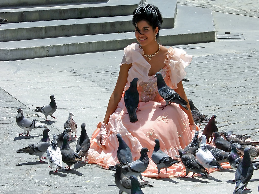 La cubana es la reina del Eden.....(fotos de bellezas en Cuba) 928080300_e5cc8f1558_b