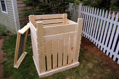 """Compost bin • <a style=""""font-size:0.8em;"""" href=""""https://www.flickr.com/photos/7358896@N06/1209850058/"""" target=""""_blank"""">View on Flickr</a>"""