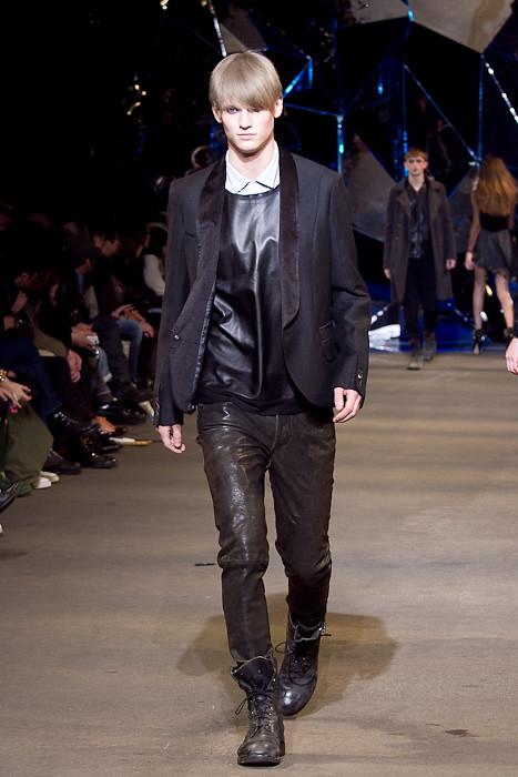 Alexander Johansson3114_FW10_JFW_DIESEL BLACK GOLD(Fashionsnap)