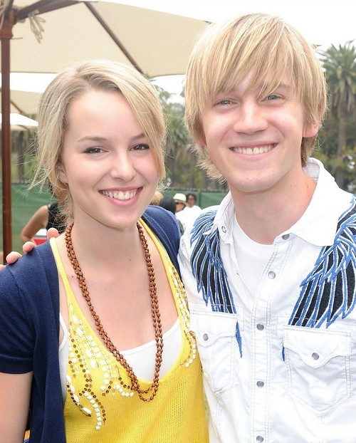 bridgit-mendler-jason-dolley-heroes-03