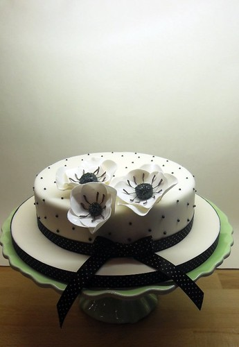 Black & White Flower Cake