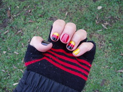 Deutsche Ngel (valzitabacana) Tags: germany deutschland flag glove worldcup impala alemanha risqu esmalte ngel colorama colorfulnails unhascoloridas 5cinco