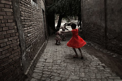 Melody (RoyChoi) Tags: china street people kids children child dancing xinjiang oldcity peopleschoice uygur artlibre anawesomeshot superhearts flickrelite favescontestwinner uyguren mainlanderchina