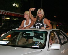 Hot chicks love the SPURS! (Flagman00) Tags: blondes tanktop fans celebrate sunroof hotpants shortshorts hotchicks sanantoniospurs nbafinals timduncanjersey