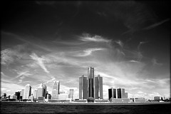 Detroit Skyline (paulhitz) Tags: city sky urban blackandwhite bw canada water skyline digital canon river geotagged eos rebel blackwhite map michigan tag detroit tagged windsor duotone geo geotag coolest bnw 07 detroitriver 2007 mapped xti abigfave paulhitz diamondclassphotographer flickrdiamond xticanoneosdigitalrebeleos coolestphotographers
