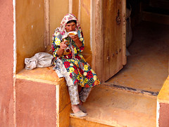 Abyaneh: A Culture Still Alive (Farhang.) Tags: life red people woman color iran persia abyaneh rurallife farhang isfahanprovince farhanghaghighat abyanehvillage