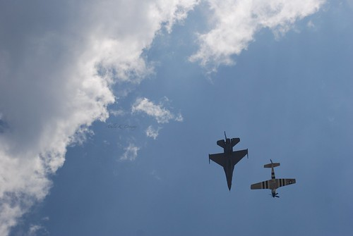 F-16 and P-51 Mustang