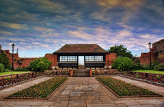 Connaught Gardens Shelter (Raphooey) Tags: roof sky flower glass gardens clouds beds stones steps paving walls shelter sidmouth topaz slabs connaught pavings devoin