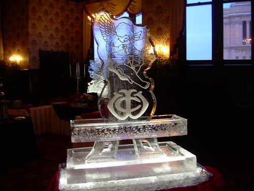 Cupid at Seafood Station ice sculpture