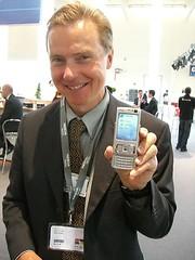 Mr. Nokia mit Spielzeug