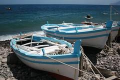 Boats on the beach in Filicudi Island (CyboRoZ) Tags: sea beach boats island barca mare waves fishermen traditional wave barche porto fisher ropes pesca rada eolie onde onda filicudi pescatori imbarcazione tradizionali aeolien