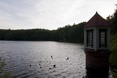 西岡水源地 取水塔