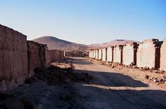 """Calle en """"La Noria"""" (mabel flores) Tags: pueblo ciudad pampa muros abandonado desiertodeatacama oficinassalitreras"""