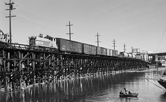 BC Hydro #903, Vancouver, BC (R R Horne) Tags: bridge vancouver bc kitsilano railroads bchydro