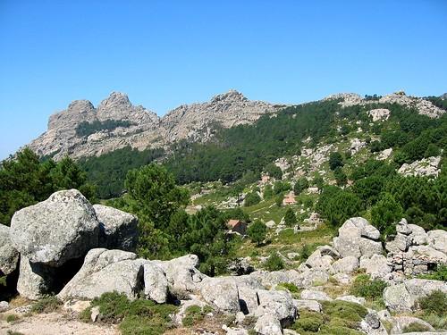 Bergeries de Bitalza avec Capellucciu et Capellu en arrière-plan