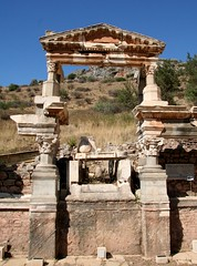 Emperor Trajan's Fountain at Roman city of Ephesus (Mike Fairbanks) Tags: turkey ancient ruins roman library romanempire ephesus celsus romanruins maryshouse libraryofcelsus