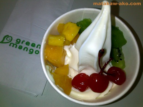 Green Mango Original Yogurt Ice Cream with 3 toppings